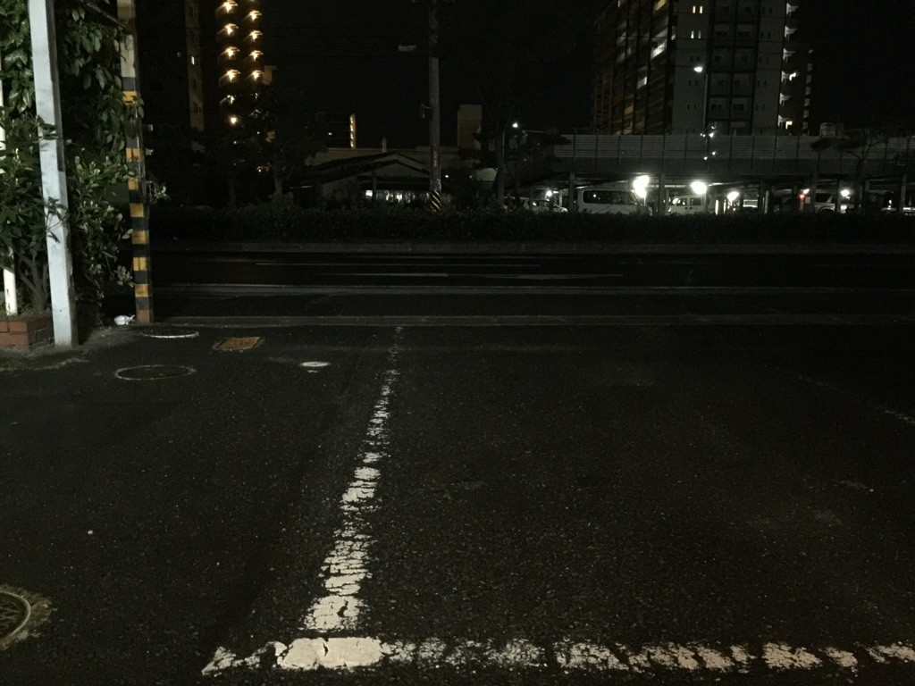 岡山市北区のフェイシャルエステサロンVIVOの夜風景